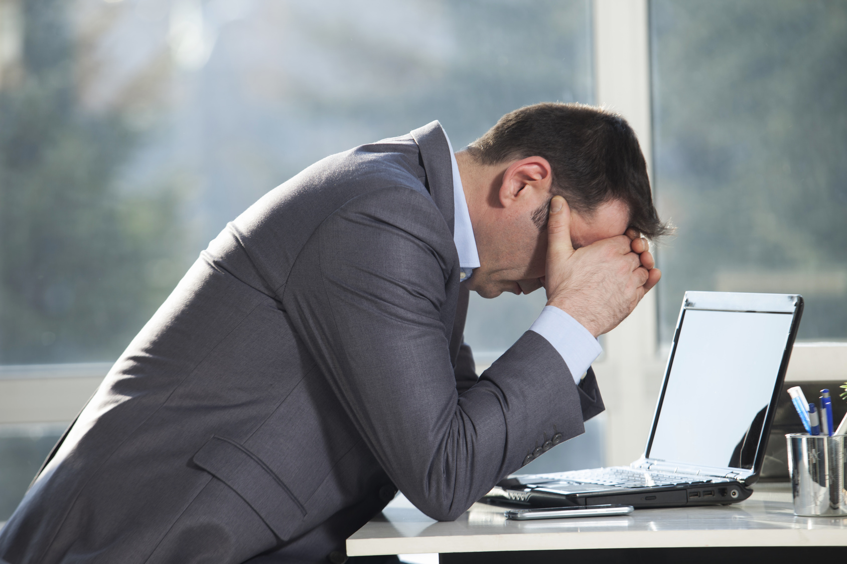 6 Signs: Do You Hate Your Job? Find Out Now!